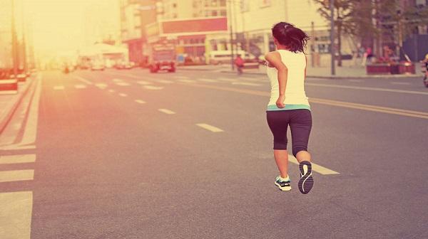 Tập luyện với máy chạy bộ tốt cho tim mạch