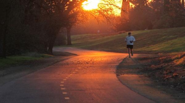 4 điều cần lưu ý khi chạy bộ buổi sáng