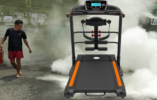 Máy chạy bộ đang chạy thấy nổ bụp bốc khói dừng lại luôn